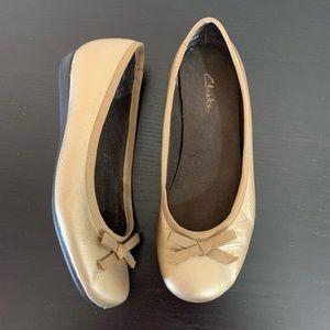 Clarks • Gold Ballet Flats Size 6.5M